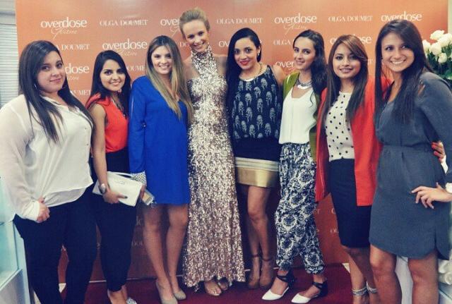 Fashion Bloggers junto a la imagen de Overdose Glam